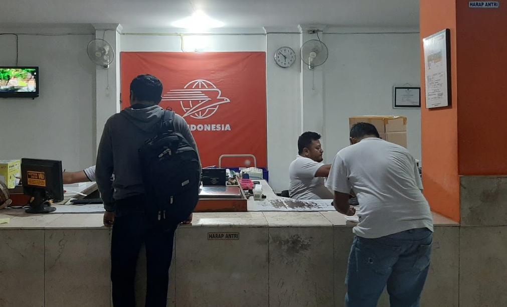 jam kerja kantor pos indonesia